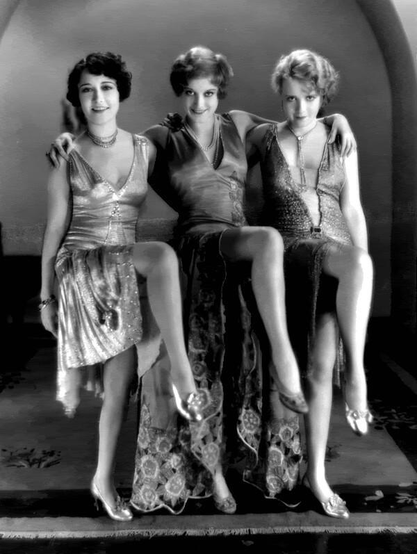 """Trois danseuse de charleston dans le film """"our dancing daughters"""" 1929"""